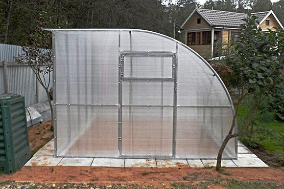 Проект односкатной теплицы из поликарбоната своими руками 34